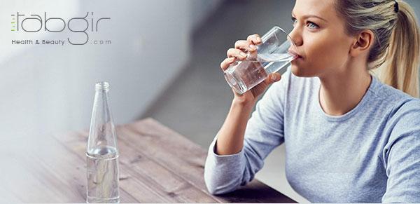 نوشیدن آب کافی بعد از ماساژ تخلیه لنفاوی